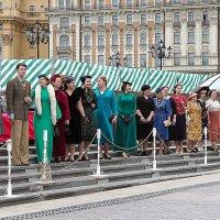 наша мода,модники и модницы разных лет :: Олег Лукьянов