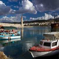 Бухта в Ретимно, о. Крит. :: Дмитрий Моисеенко