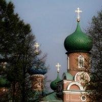 купола собора г. Тихвин :: Сергей Кочнев