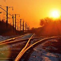 Закат над железнодорожными путями. :: Алексей Лебедев