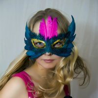 Девушка в маске :: Светлана Яковлева