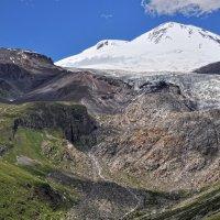 Вид на Эльбрус из ущелья Терскол :: Сергей Соловьёв