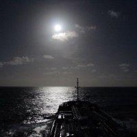 Атлантический океан. 2 часа ночи. :: Владимир Меньшиков