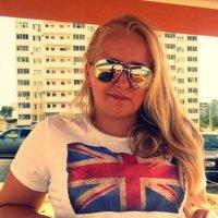 TS :: Tatyana Sanders