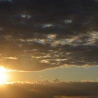 Солнце..словно глаз :: Наталья Соловей