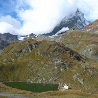 озеро у подножия горы Маттерхорн, Швейцария :: Дмитрий Родышевцев
