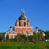 Воскресенский собор. (Вид с противоположного берега.) :: Sergey Serebrykov