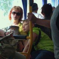 Мать и сын. :: Валерий Молоток