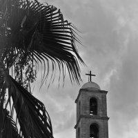 г. Ханья. Церковь на центральной площади :: Дмитрий Моисеенко