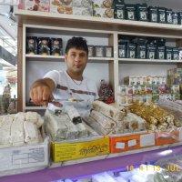 Продавец восточных сладостей :: Дмитрий Агафонов