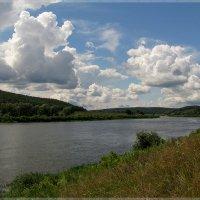 В реку смотрятся облака... :: Mariya Serova