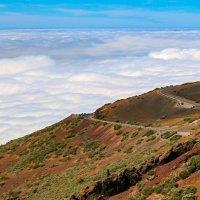 Прогулка  выше облаков :: евгений васильев