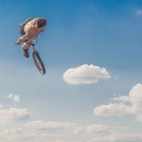 Полёт в облака. :: Виктор Евстратов