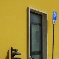 Желтая парковка :: M Marikfoto