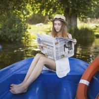 Девушка на лодке :: Анна Новикова