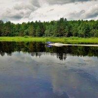 Разрезая гладь Мологи реки... :: Sergey Gordoff
