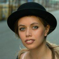 В шляпке. :: Александр Бабаев