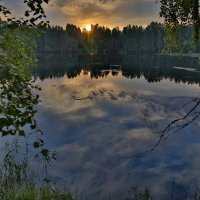 Восход над озером :: Владимир