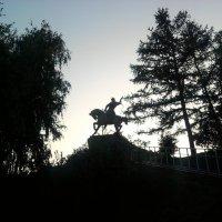 Почему памятник Салавату Юлаеву есть, а вот Емельяну Пугачёву, под чьим руководством он грабил и уби :: Владимир Ростовский