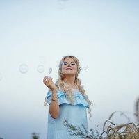 Девушка в поле :: Катерина Фомичева