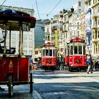 Красный трамвай :: Александр Амеличкин