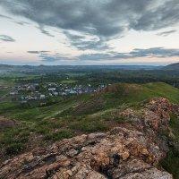 Вечерний холмистый пейзаж :: Александр Кислицын