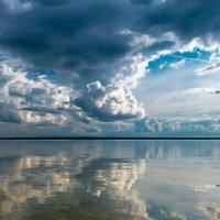 погода хмурится :: Александр Есликов