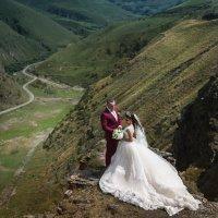 влюбленные Алан и Аза. :: Батик Табуев