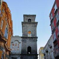 Часовая башня в старом городе(Неаполь) :: M Marikfoto