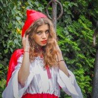 Красная шапочка :: Константин Поляков