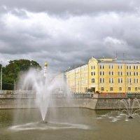 фонтан на Москва-реке :: Елена