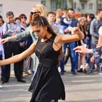 В ритме танца. :: Тамара Бучарская