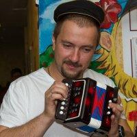 ...а я играю на гармошке.. :: Дмитрий Сиялов