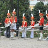 Юные барабанщики: щас как вдарим!...-))) :: Александр Буянов