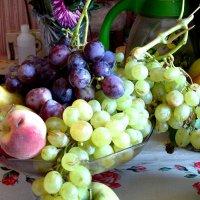 Короткий период фруктового изобилия... :: Aлександр **