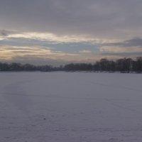Зимнее   озеро   в   Надворной :: Андрей  Васильевич Коляскин