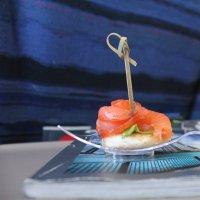 Канапе с красной рыбкой :: Наталья Золотых-Сибирская