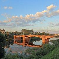 Октябрьский мост на закате :: Наталья Кузнецова