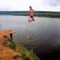 Прыжок в реку Мологу 5... :: Sergey Gordoff