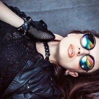 Девушка в очках :: Марина Кириллова