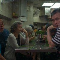 Гонконг. Небольшая забегаловка в районе Quarry Bay :: Sofia Rakitskaia