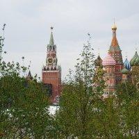 Спасская башня и Собор Василия Блаженного :: Максим Ершов
