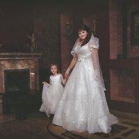 Невеста с дочкой :: Юлиана Филипцева