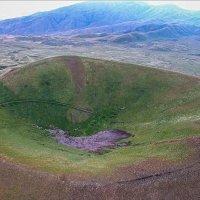 Потухший вулкан Вайоц Сар, Армения :: Павел Москалёв