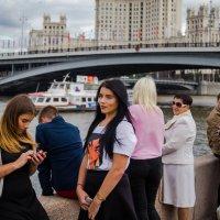 в ожидании экскурсии :: Валерий Гудков