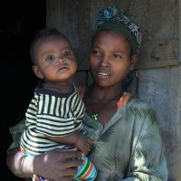 Мама и в Африке мама :: Евгений Печенин