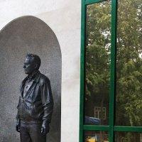 Ко дню Оружейника. Памятник М.Т.Калашникову в Ижевске :: MILAV V