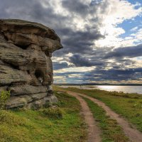 Каменные палатки на озере Аллаки :: Владимир Родионов