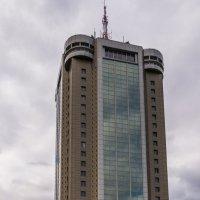 Просто, интересное здание.. :: Ruslan