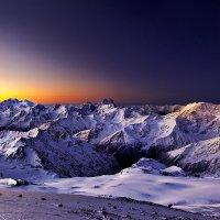 Рассвет на Эльбрусе в 5 тра. высота 5000 :: Вячеслав Ложкин